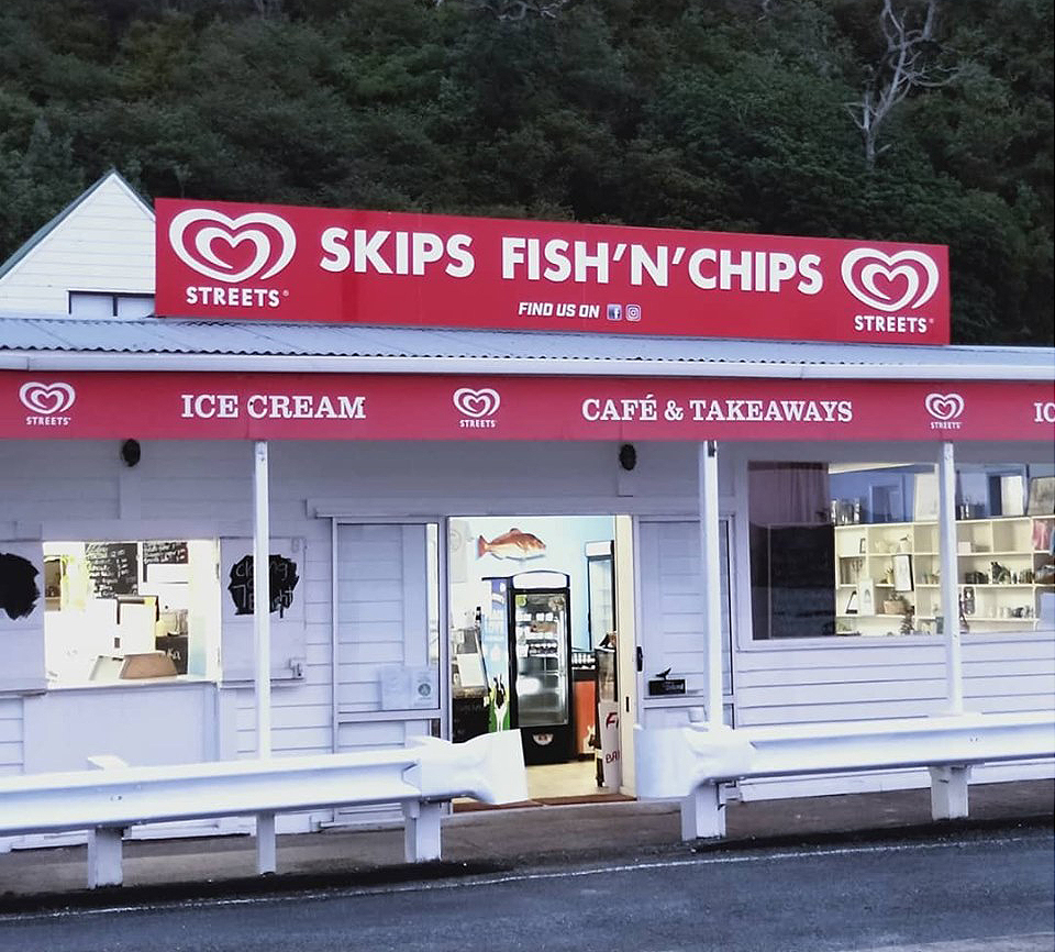 Oakura Bay, Whangaruru, Northland Cafe and Takeaways